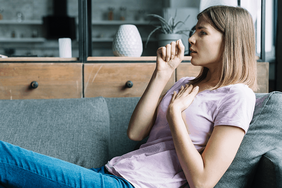 Can allergies cause fever, coughing and sore throat?